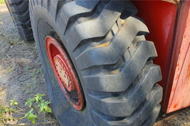 Bell Bell Articulated Tractor Tractors