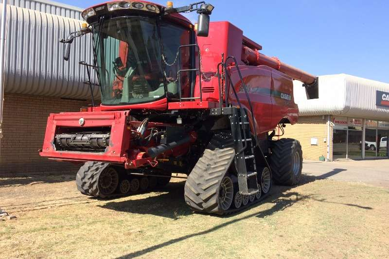 Case Combine harvesters and harvesting equipment Case 8240 4wd Combine 2016