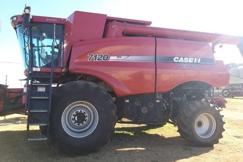Case Combine harvesters and harvesting equipment Case Ih 7120 2wd Combine 2012
