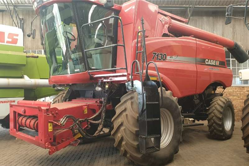 Case Harvesting equipment CASE 7130 2013