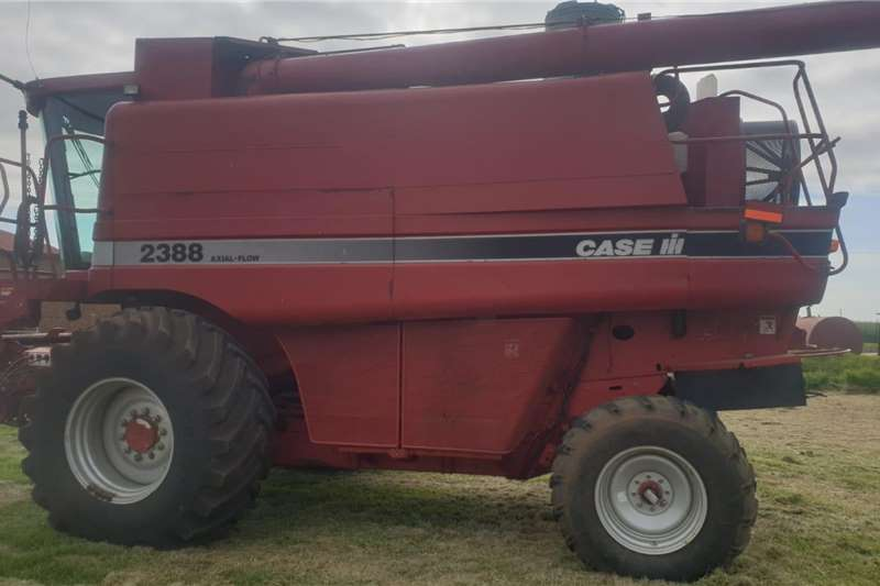 Case Harvesting equipment Grain harvesters Case 2388 2003