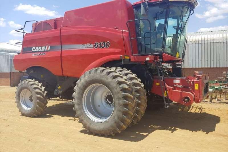 Case Harvesting equipment Grain harvesters Case IH 6130 2014