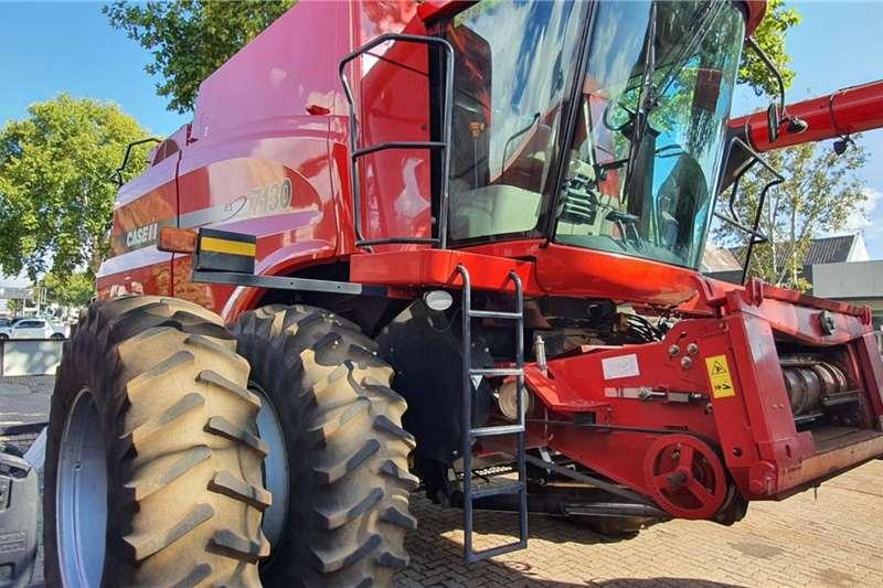 Case Harvesting equipment Grain harvesters Case IH 7130 2014