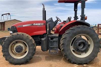 Case 4WD tractors Case Farmall 140 A 4x4 104 kW Tractors