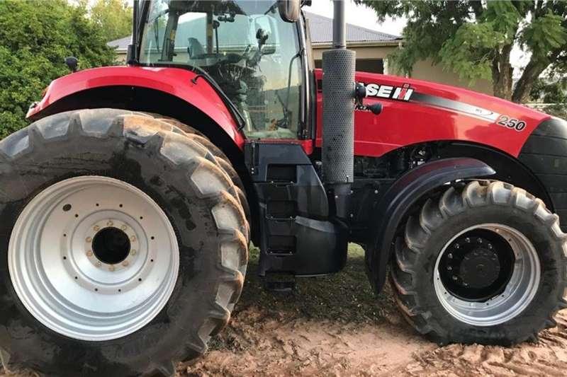Case 4WD tractors Case IH Magnum 250 Tractors