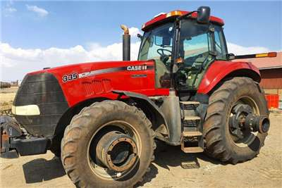 Case 4WD tractors Case IH Magnum 335 Tractors