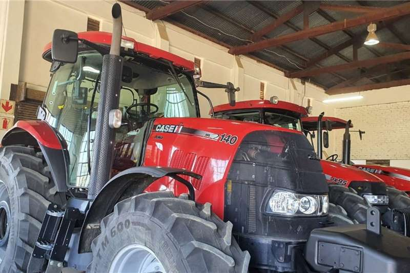 Case Tractors 4WD Tractors Case IH Puma 140 2017