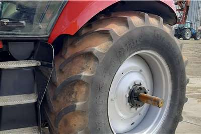 Case 4WD tractors Magnum 310 Tractors