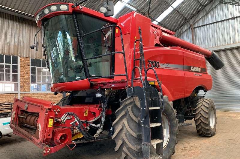 Case Tractors Case 7130 2013