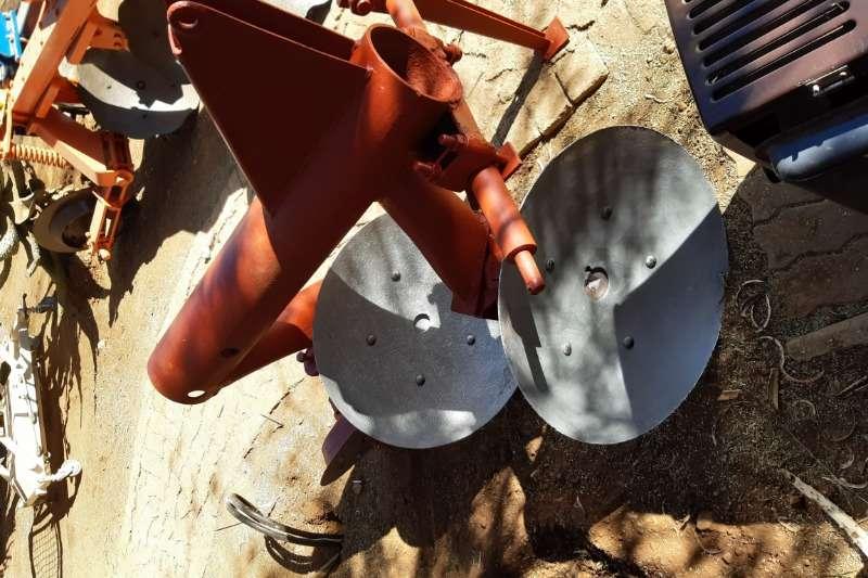CC Agri Ploughs Disc ploughs 2 Disc MF Plough