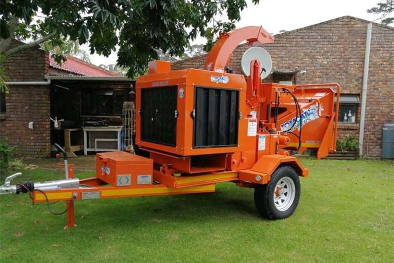 Chippers Drum chippers Tomcat WoodChipper 250 AFE 65HP Engine