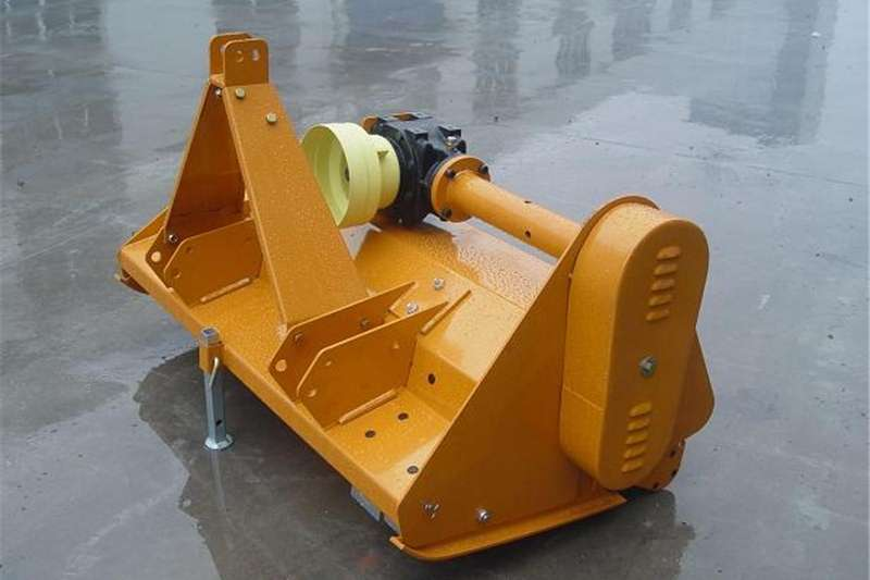 Chippers Other chippers We are using standard wood chipper side feeding bu 1973