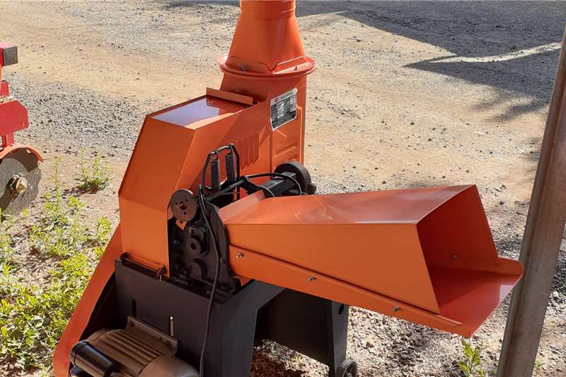 Wood chippers 2.2kw and diesel Grass Choppers Chippers