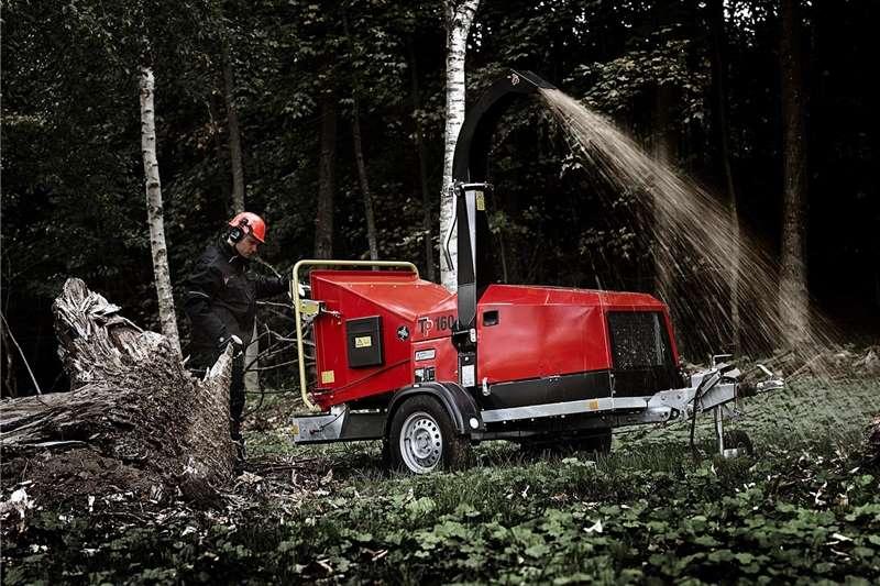 Chippers Wood chippers 5) Wood Chipper T P 160 MOBILE