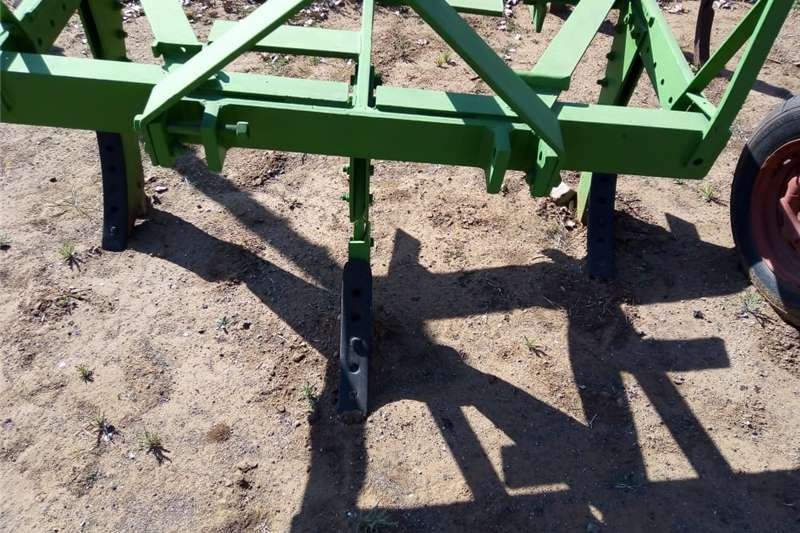 Chisel ploughs 3 Tand Skoffe