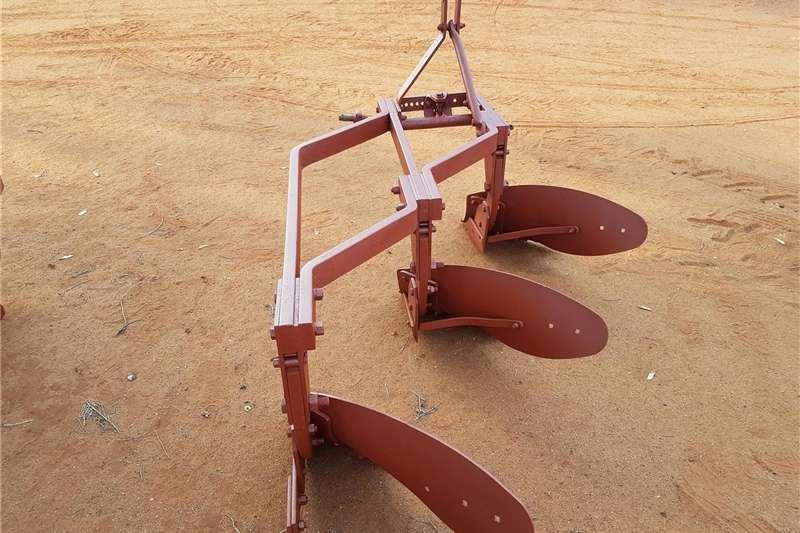 Chisel ploughs Plough