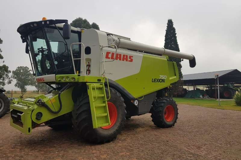 Claas Combine Harvesters and Harvesting Equipment Claas Lexion 750 2wd Combine 2012