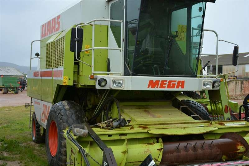 Claas Combine Harvesters and Harvesting Equipment Claas Mega 204 1993