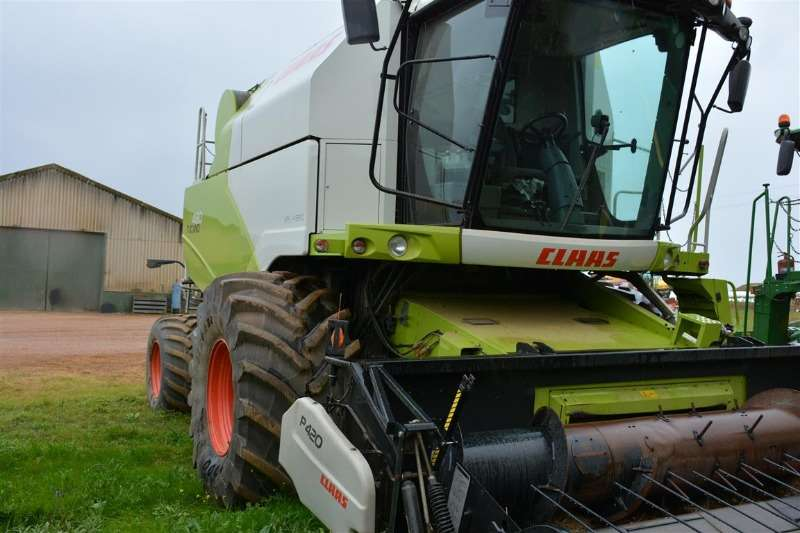 Claas Combine harvesters and harvesting equipment Tucano 480 2013