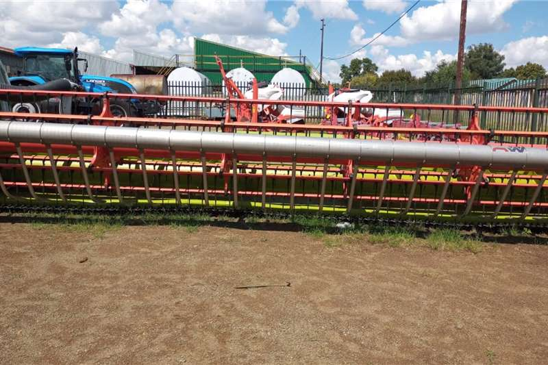Claas 750 flextafel Harvesting equipment