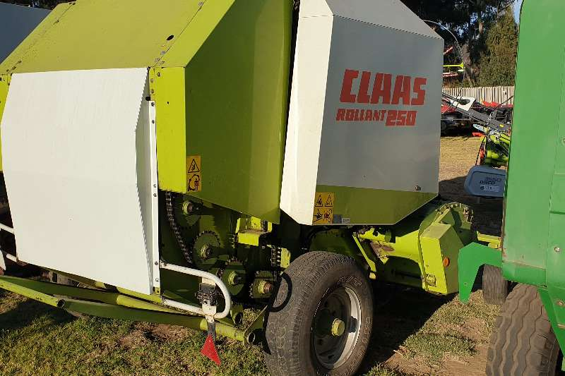 Claas Hay and forage Balers Claas Rolland 250