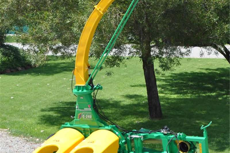 Combine harvesters and harvesting equipment Forage harvesters S2344 Green JF C 240 Double Row Evolution Forage H