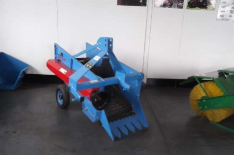 Combine harvesters and harvesting equipment Potato harvesters potato Harvester Running on a 20% Discount 2020