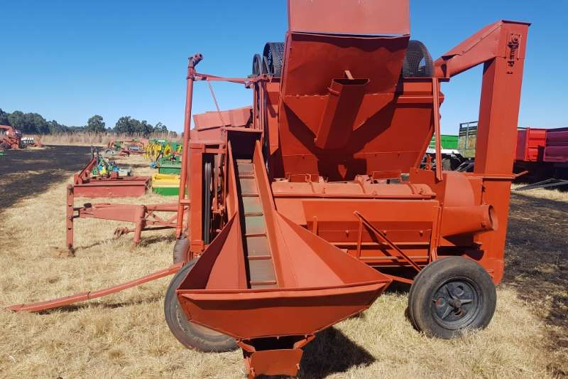 Combine harvesters and harvesting equipment Threshers Slattery Thresher / Dorsmasjien