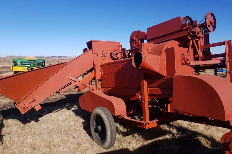 Combine harvesters and harvesting equipment Threshers Vetsak Maize Thresher / Sheller / Dorsmasjien