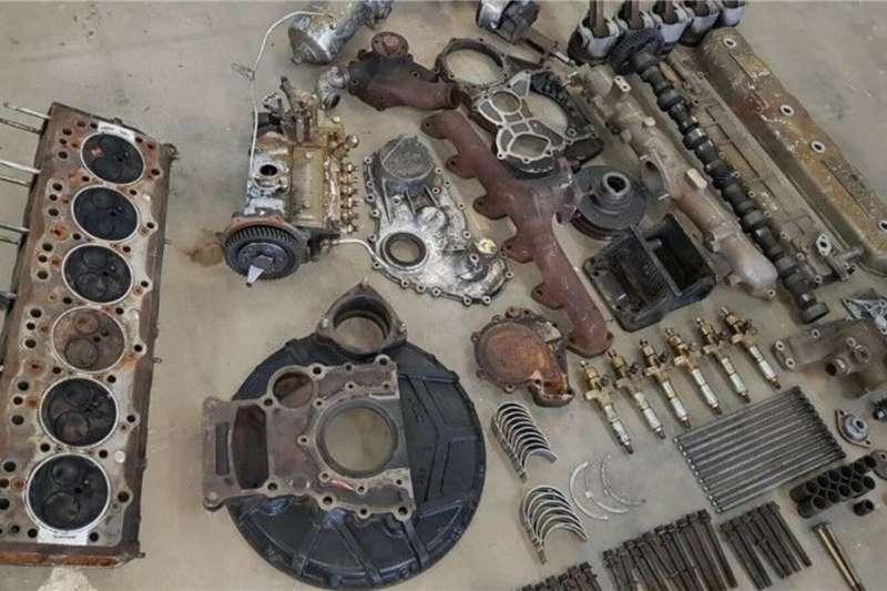 Components and spares Isuzu 6BB1 Engine