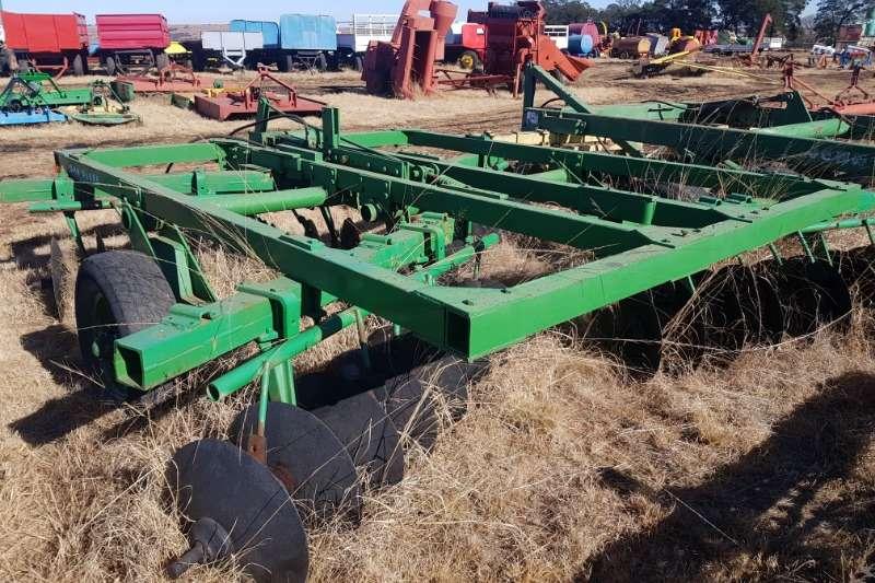 Cultivators Harrows John Deere N210 14 x 14 tandem