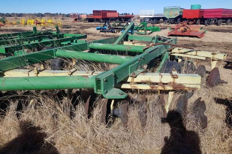Cultivators Harrows John deere N440 AS IS