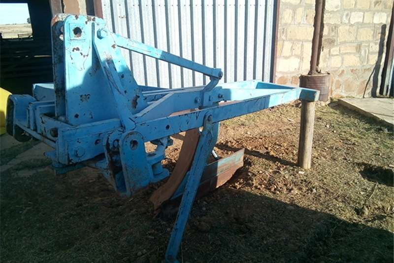 "Cultivators Other cultivators 20"" Single shear mouldboard plough / Een skaar p"