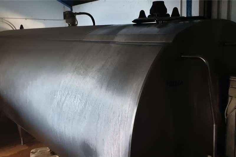 Holding tanks Milk tanks Dairy farming