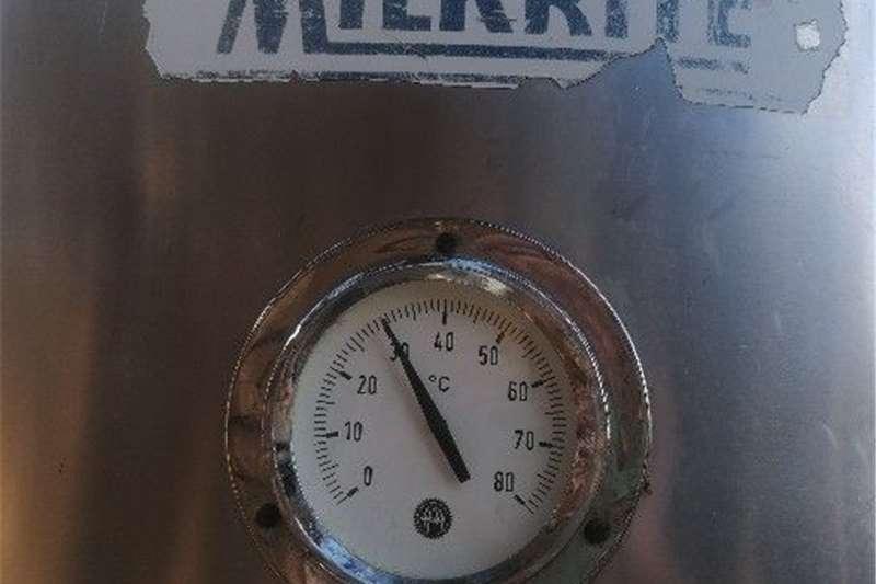 Milk machines 800 L Milk tank Dairy farming