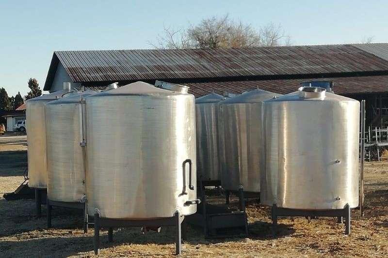 Dairy farming Milk machines Tanks