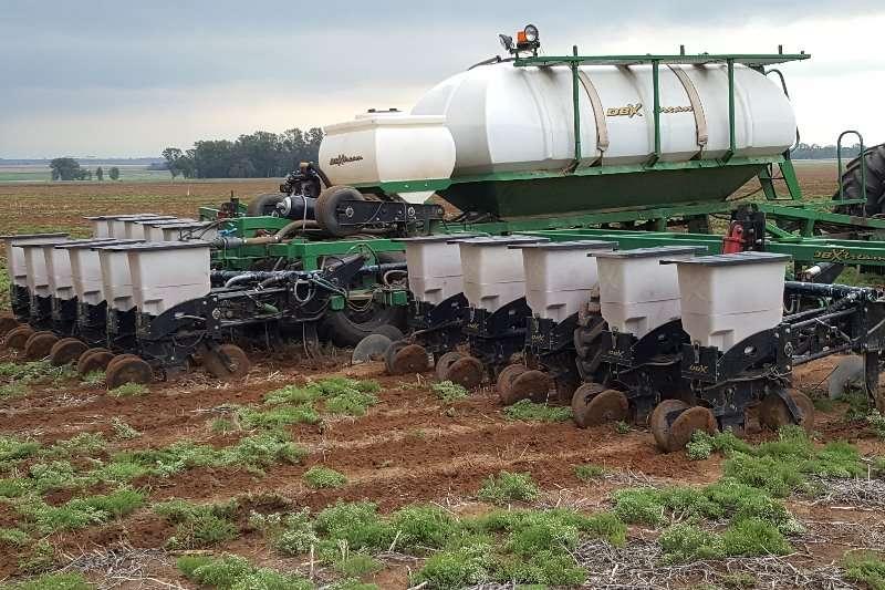 DBX Planting and seeding Drawn planters 16 ry.76 DBX Planter