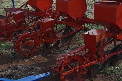 DBX Row planters drie ry planter tekoop rooi Planting and seeding equipment