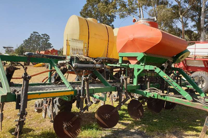 DBX Other planting and seeding DBX Planter Planting and seeding