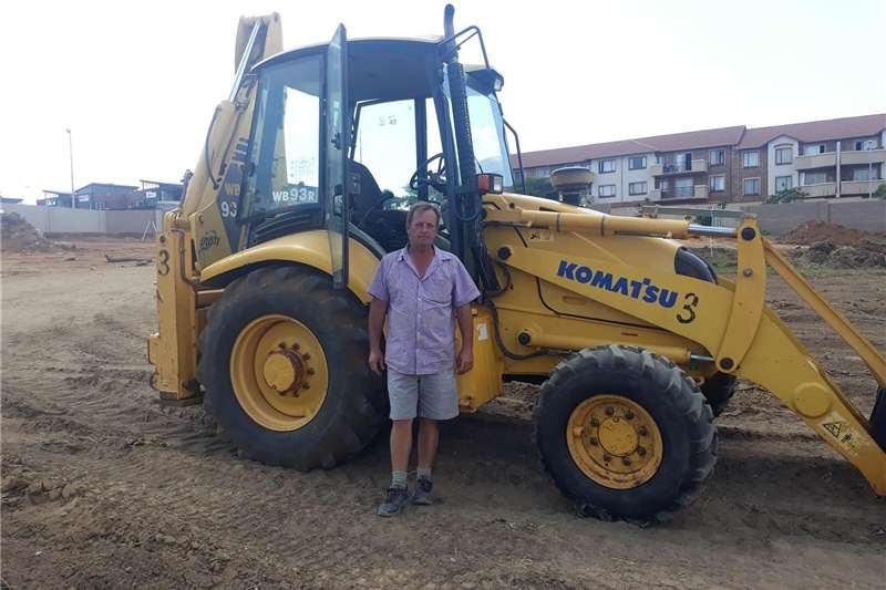 TLB  TO RENT R 3500PERDAY + Diesel Digger