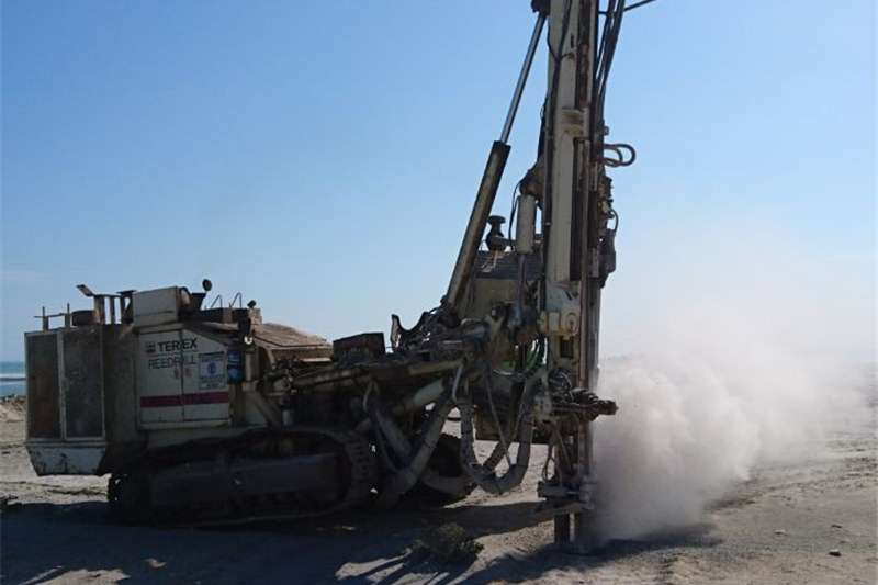 Digging TEREX SCH5000CL DRILL RIG