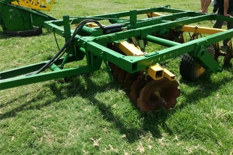 Disc ploughs John Deere DISC   R49 000 + VAT