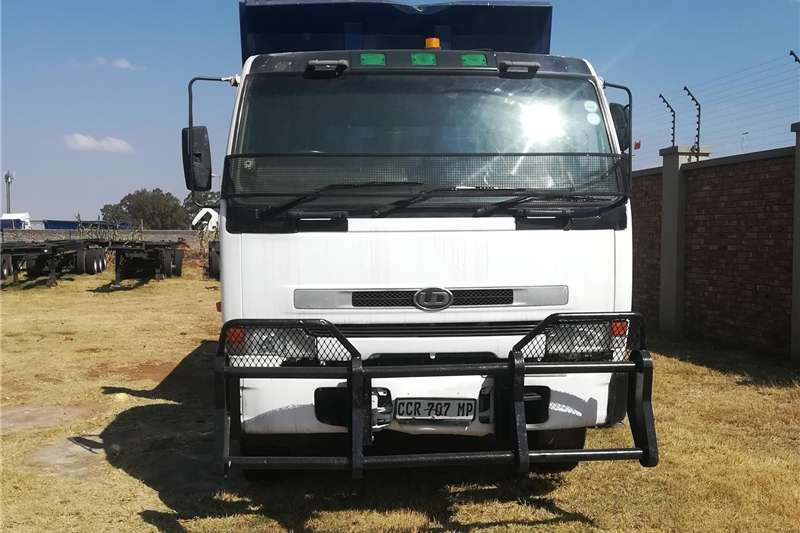 Double axle UD 10 CUBE Tipper truck