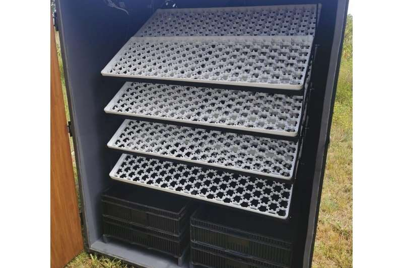 1056 egg incubator with 400 egg hatcher Egg incubator