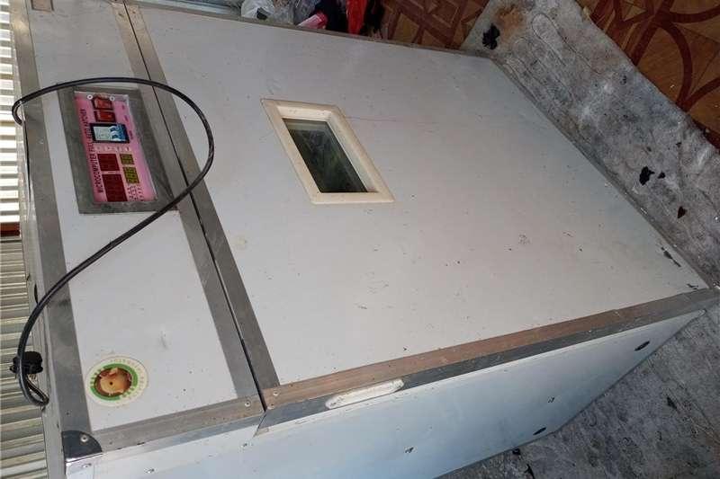 Egg Incubator Automatic egg incubator
