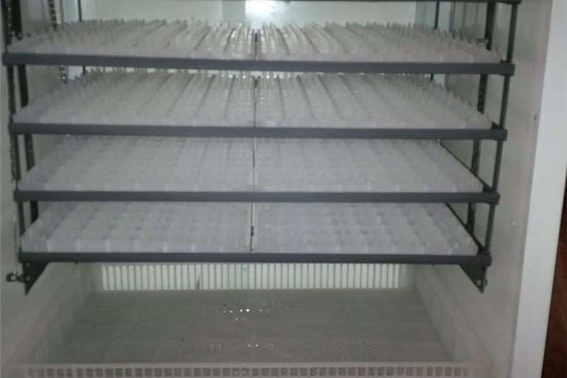 Egg incubator Brand new egg incubators 2000