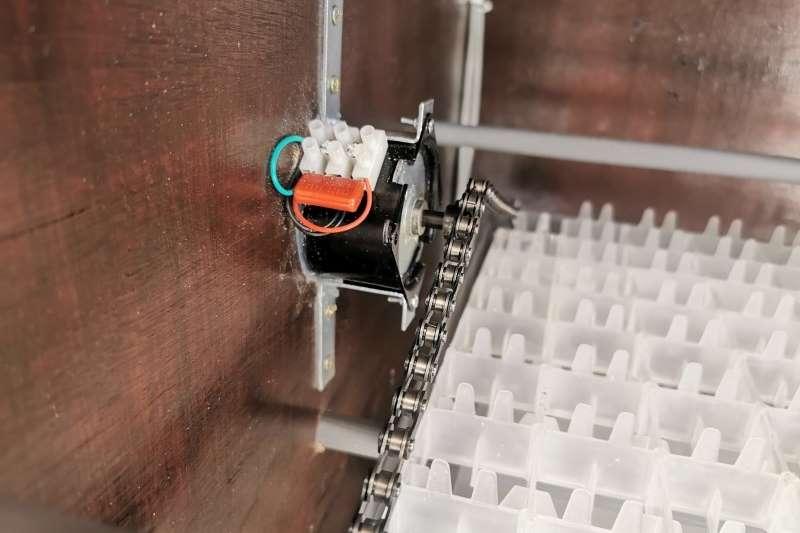 Egg incubator for 968 eggs with hatcher Egg incubator