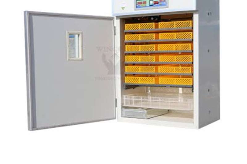 Incubator and Hatcher Egg incubator