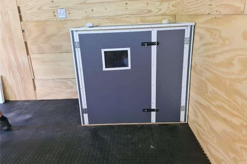 Legit incubators & poultry   New......2121 incubat Egg incubator