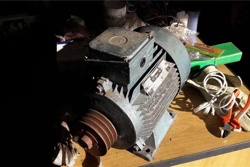 Electric motors / elektriese motors 3.3 kw 3phase motor